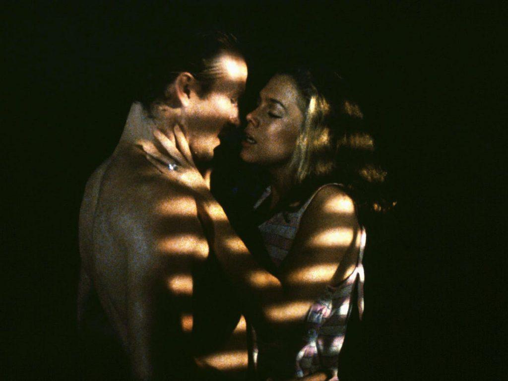 Pelanggaran Seksual Dalam Film dan TV: Bagaimana Koordinasi Mengenai Hubungan Intim Dalam Film